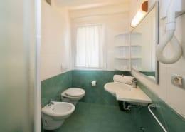 toilet Bungalow De Luxe