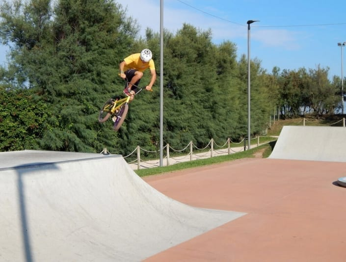 skatepark con bmx