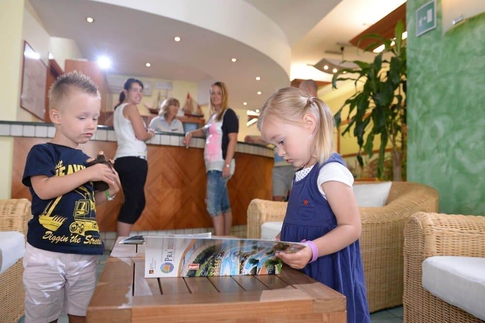 bambini in hotel