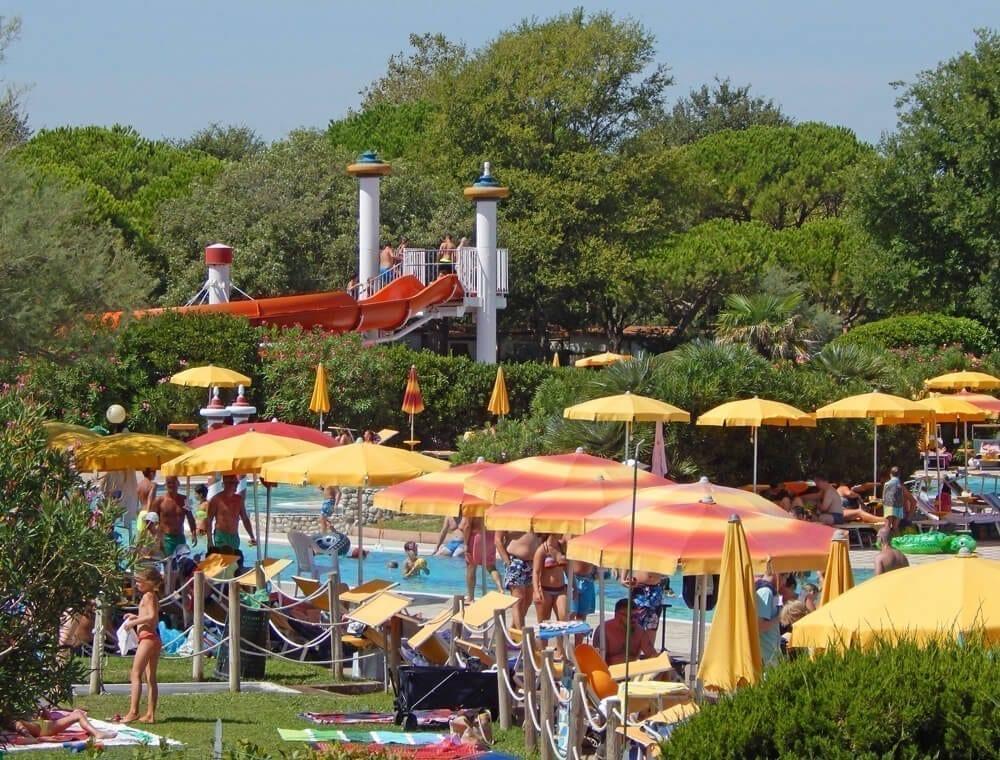 parco acquatico con piscine