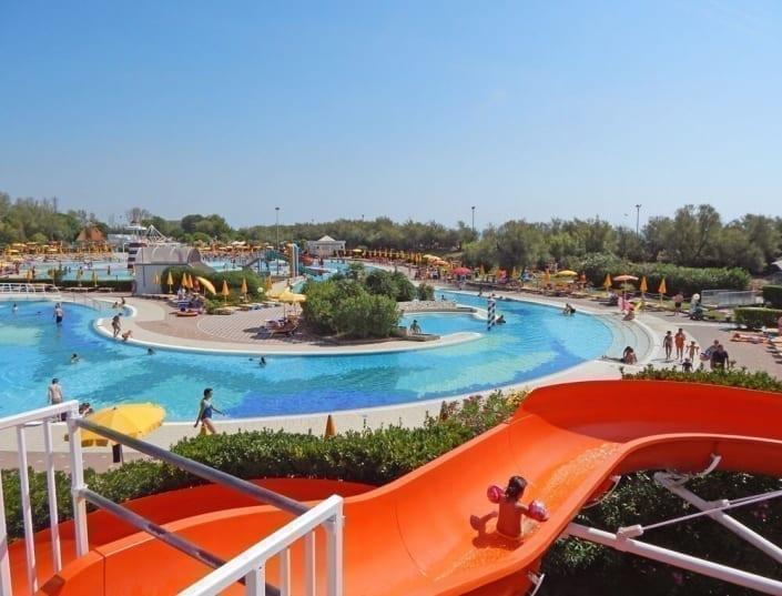 acquapark con scivoli