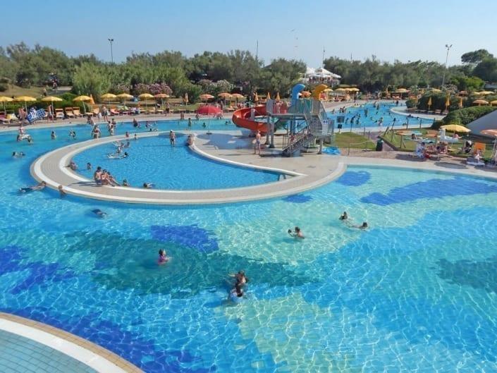 grandes piscines extérieures