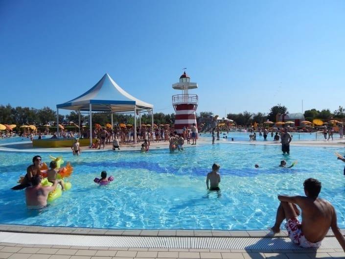 parco acquatico con bambini