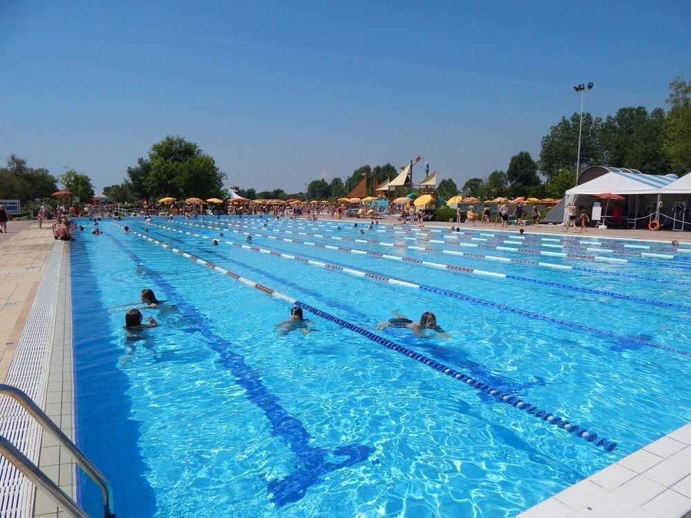 piscina esterna olimpionica